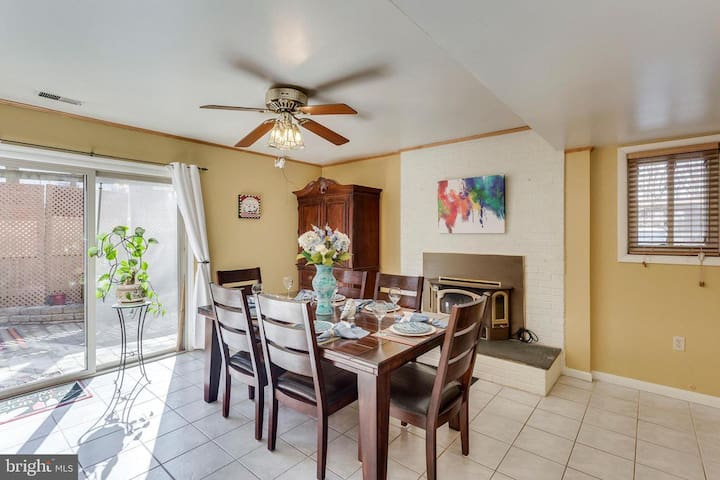 Fully Furnished Rooms For Rent! (Fairfax City)