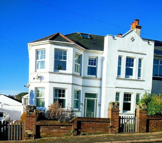 Duplex Apartment 500 yards to Beach - Paignton, England, GB - Byt