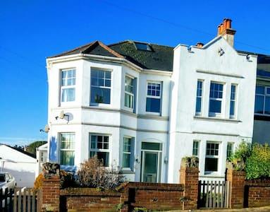 Duplex Apartment 500 yards to Beach - Paignton, England, GB - Leilighet