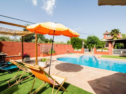 Fantastic duplex with private pool and garden