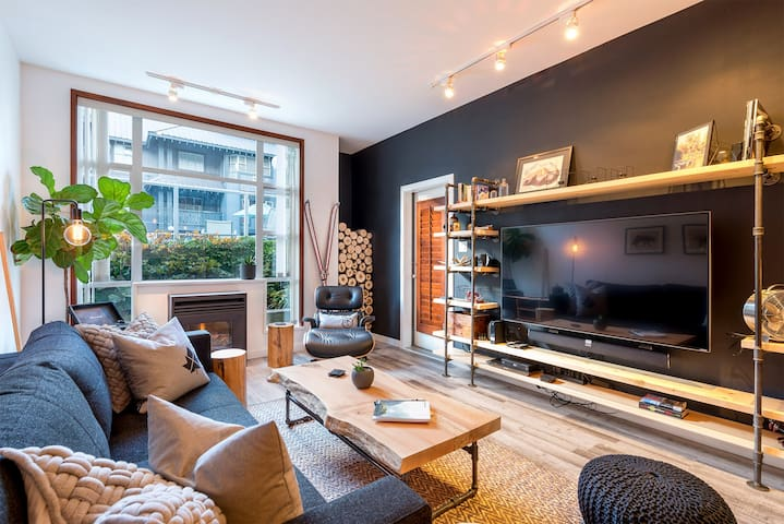 Whistler Modern Ski In/Ski Out, Hot Tub, Pool - Whistler - Appartement