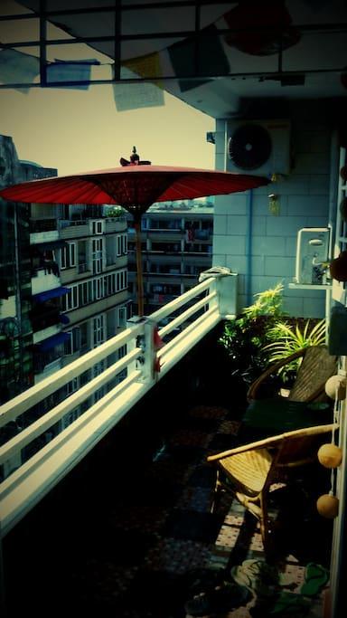 Cosy flat, amazing Shwedagon view