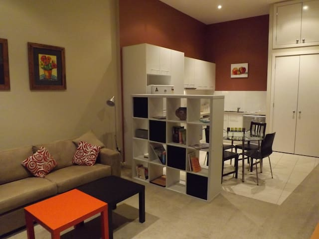 Contemporary Apartment Yarraville - Yarraville - Wohnung