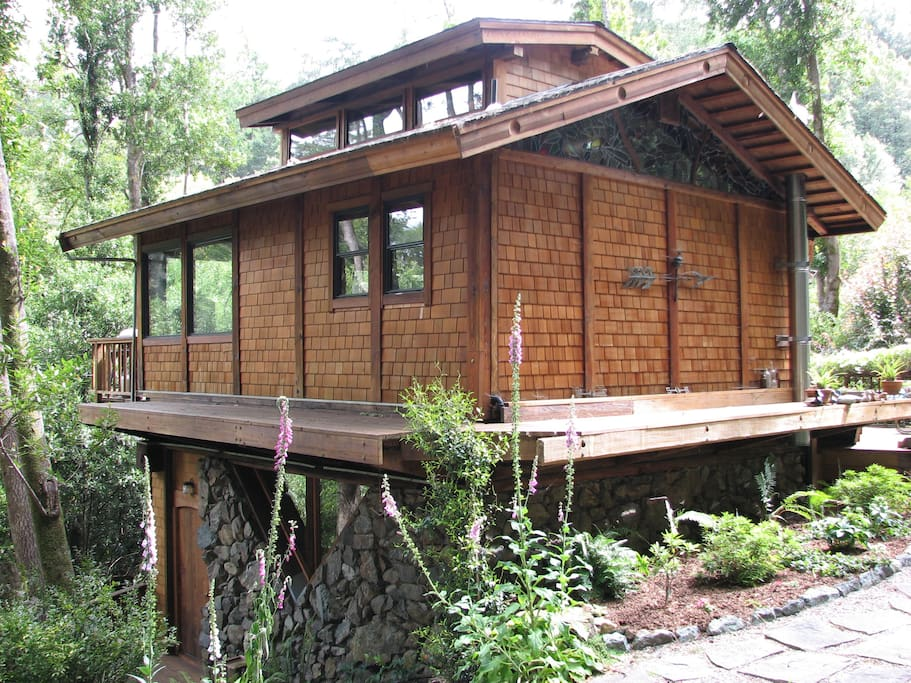 Point Reyes Unique Creekside Home