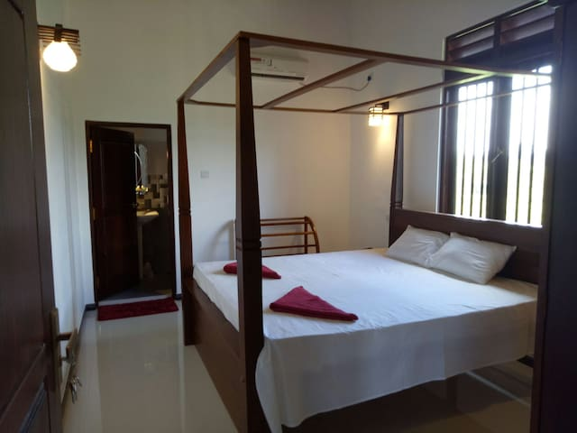 Chill - Specious(A/C) room with a double bed &bath