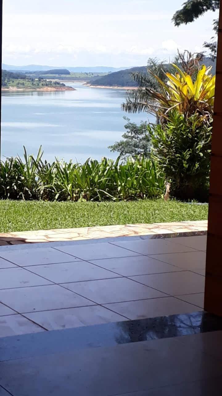 Prazer com vista para o lago: Azul, Verde e Sol 12