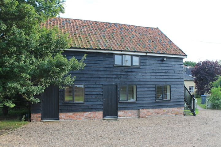 The Cartlodge ( a converted Suffolk Cartlodge)
