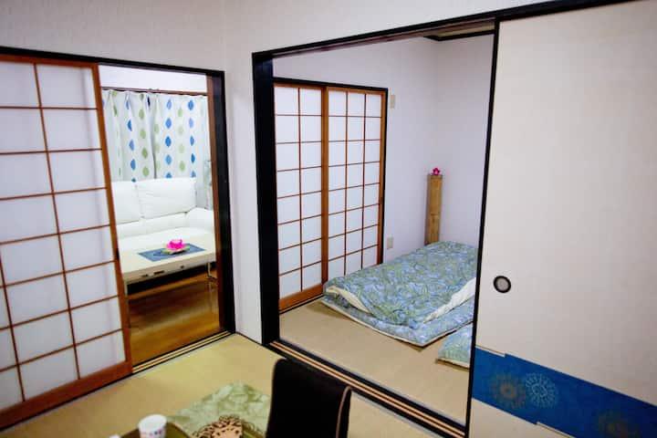 family house一階和室熊本駅徒歩15分繁華街上下通徒歩8分・日本スタイル6畳×2  洋間1