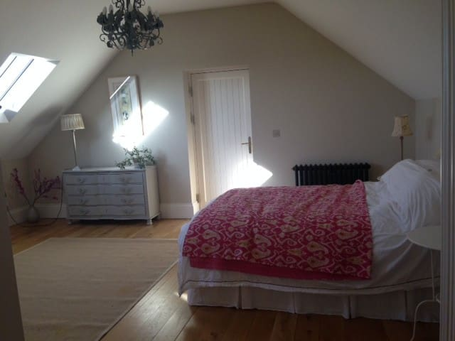 Large, private, ensuite double room - Killinchy - Huis