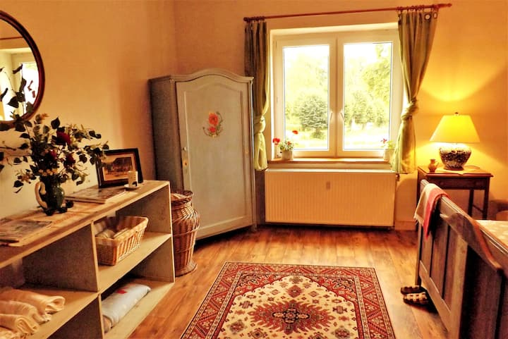 Coachman's Apartment G6 - Charming Peaceful Nature
