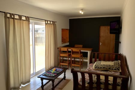 Spacious 1 Bedrm Separate Apartmnt - Walvis Bay