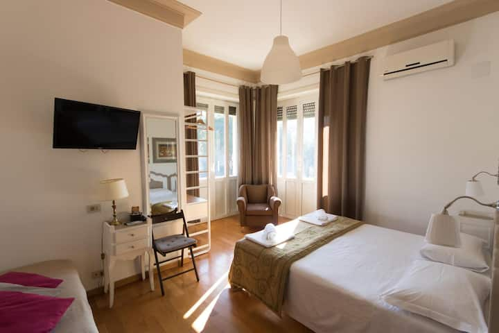 B&B Tevere Home - Triple bedroom with balcony