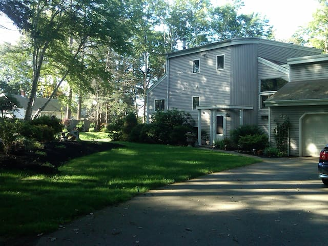 Lakefront home just west of Boston - Wayland - Casa