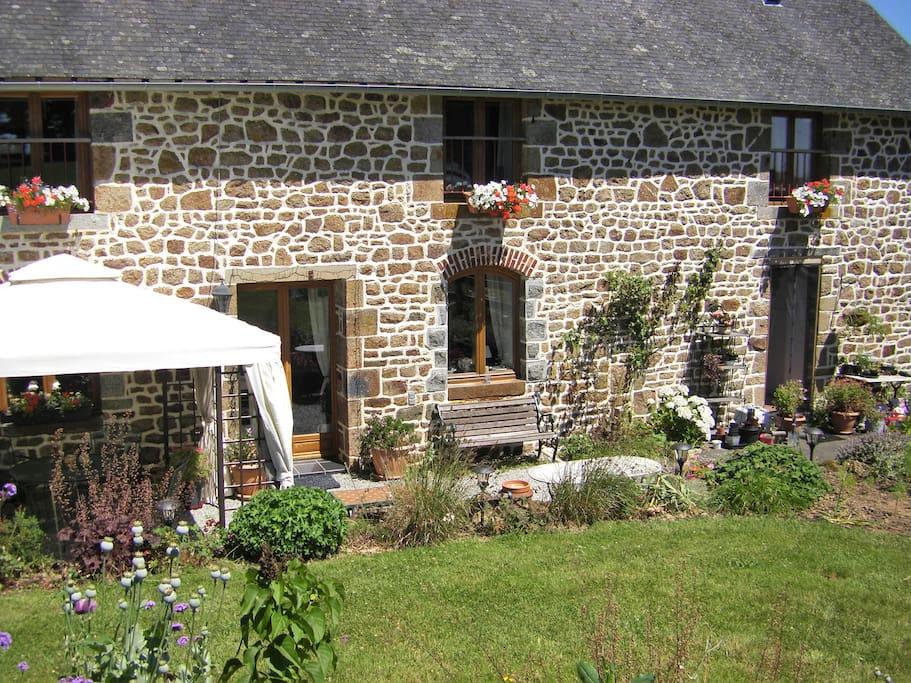 La Cloue front of the farmhouse