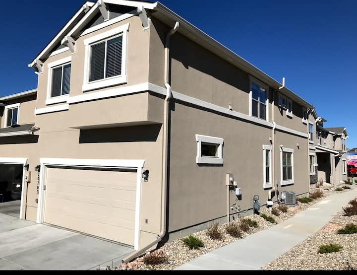 Gorgeous Brand New Townhome