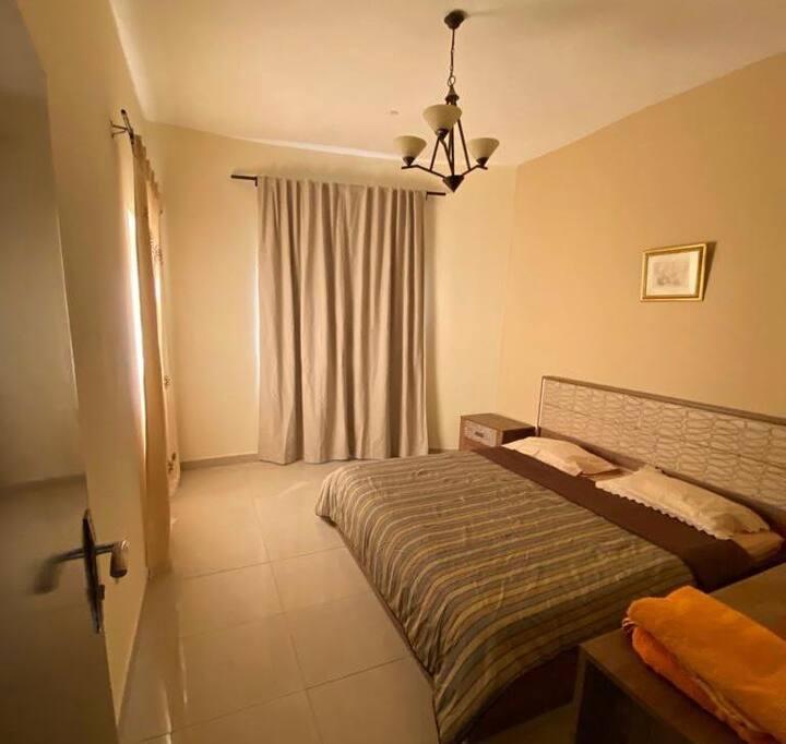 2 Bedroom Apartment    Balcony+Mall+Supermarket