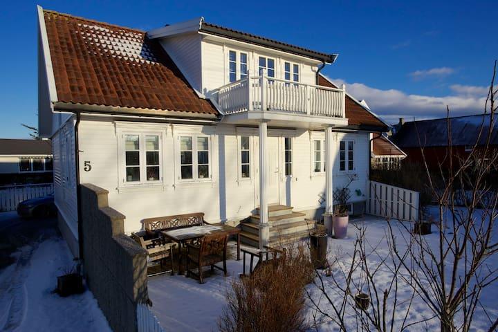 Sørlandshus med sjarm, vakre Lista - Farsund - Maison