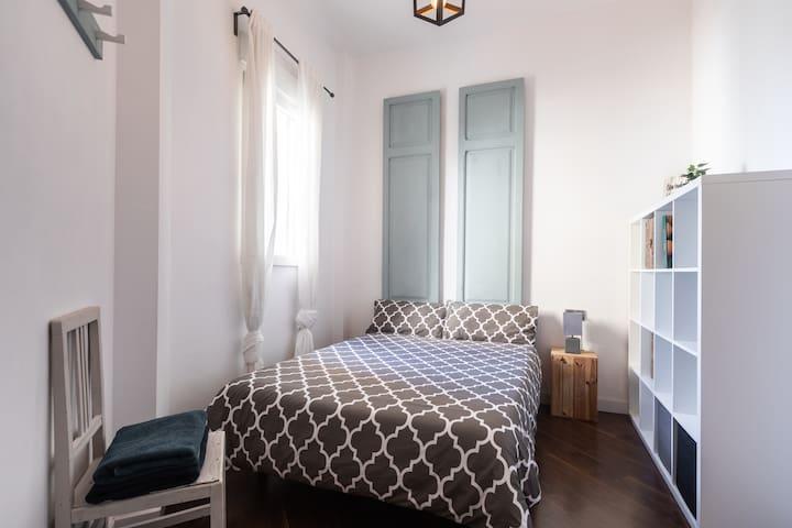 Habitación-baño privado/Room private bathroom