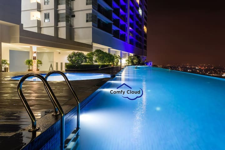 A18-07 · LUXURY & Best Condo 豪华时尚公寓 in Malacca Town