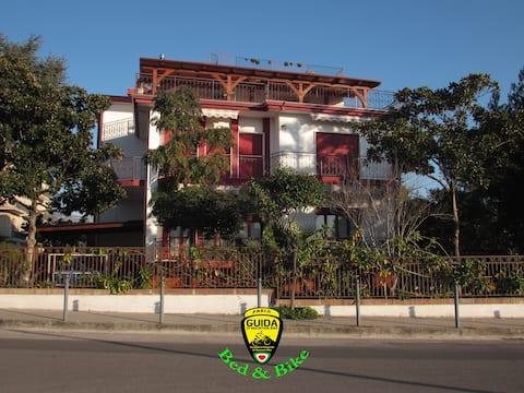 Villa ClaudiAnna Bed & Bike Paestum