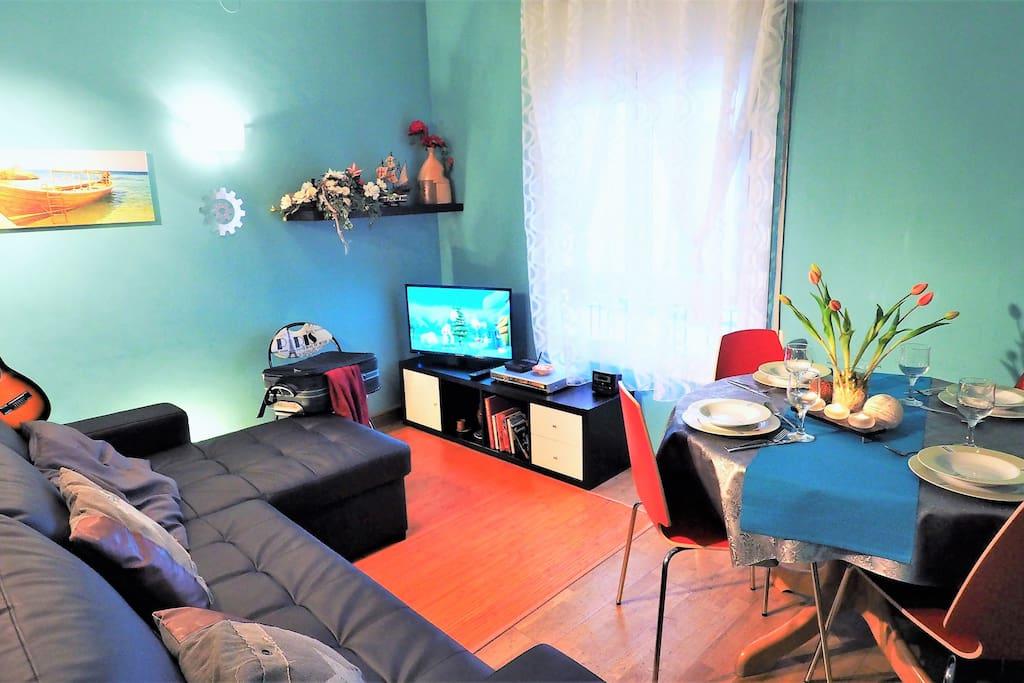 living / dining room, TV, Wifi, DVD