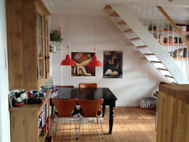 Apartment in quiet area with roof balcony  CPH NV