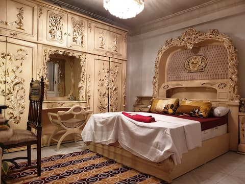 Golden Authentic Room Downtown ❤Walk to Tahrir❤