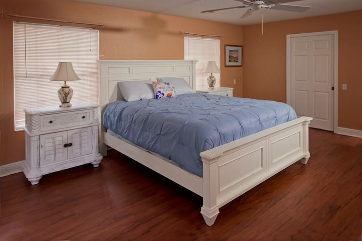 Master bedroom furniture has been changed to darker wood. New photos coming.
