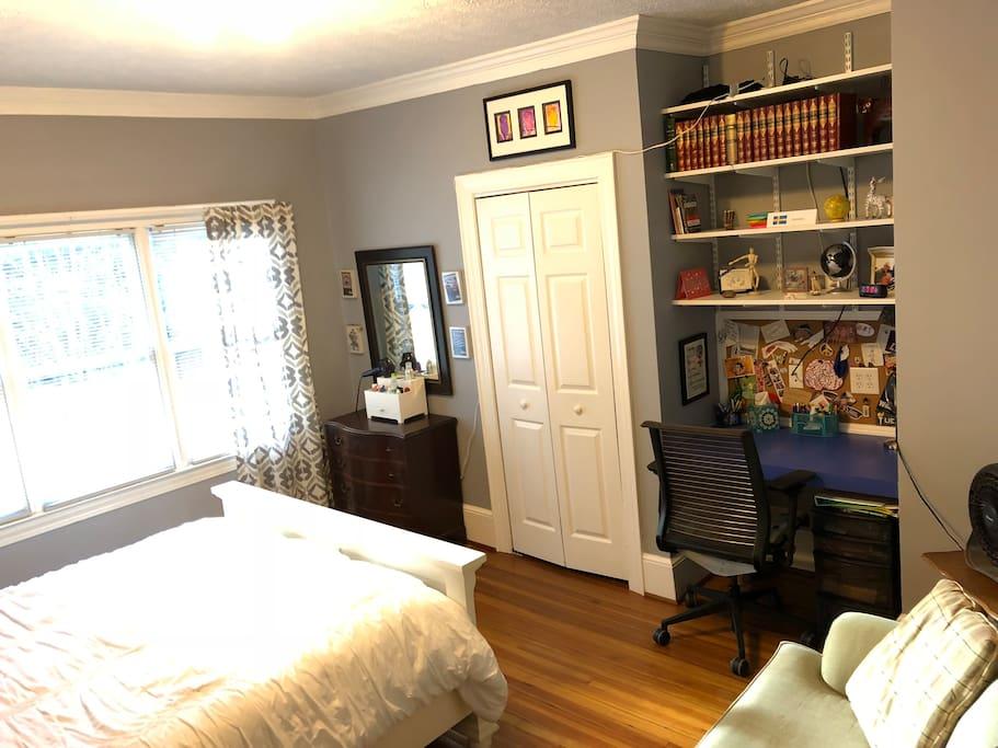 Bedroom, desk, couch