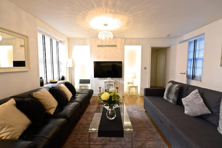 GuestReady - NEW LUXURY 3BED/2BATH APARTMENT - COVENT GARDEN!!