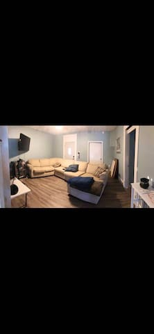 [NRE: Downtown Roomshare 613-2]