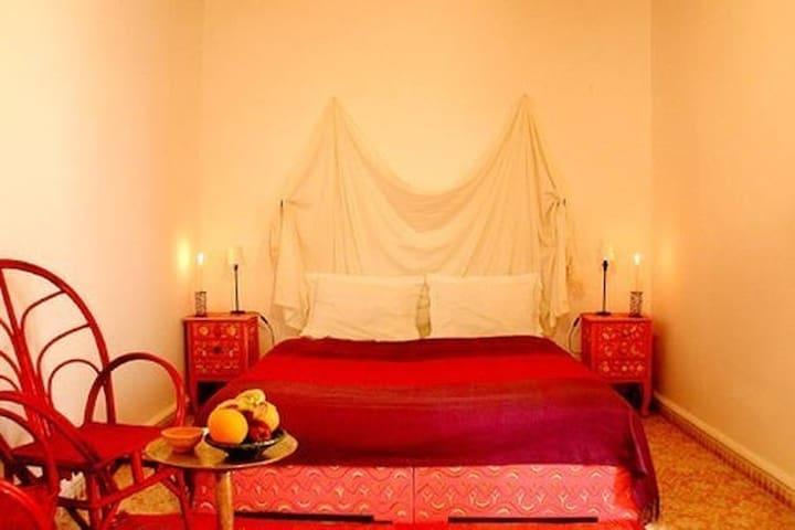 Chambre d h te amine au riad dar latifa g steh user zur for Chambre d hote marrakech
