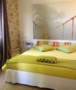SO-ARTS, Chambre Jade, 3 personnes - Les Esseintes - Bed & Breakfast