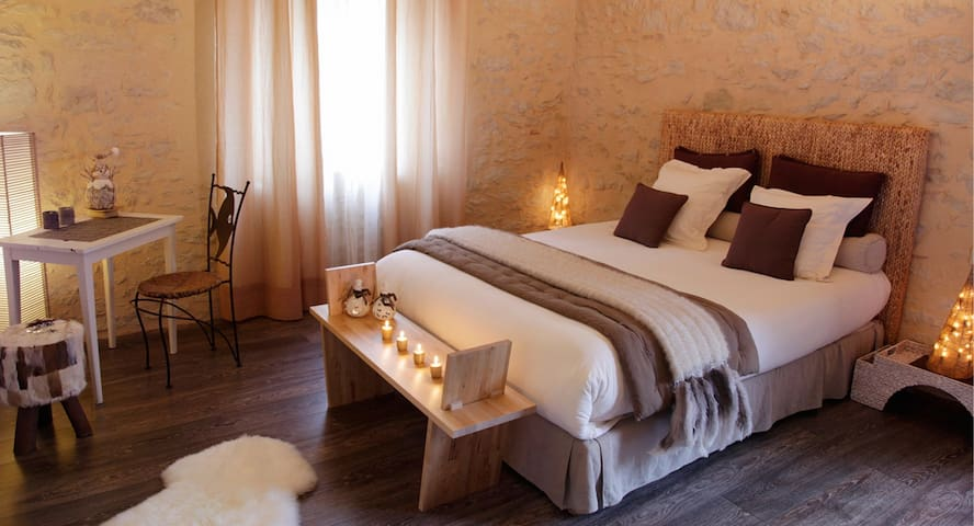SO-ARTS, chambre Sable, 4 pers - Les Esseintes - Bed & Breakfast