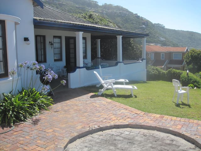 Beautiful beach facing cottage  - Greater Plettenberg Bay - House