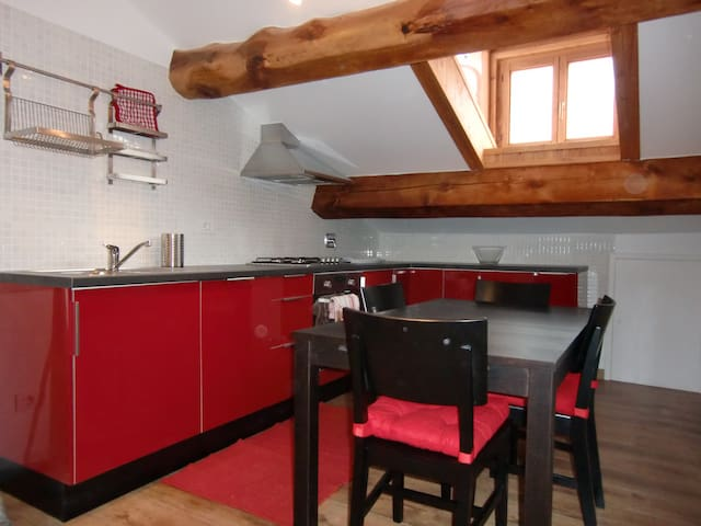 Refurbished one bedroom flat  - Gaby - Apartamento