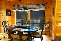 Holly Hill Secluded Retreat, WiFi,Outdoor Kitchen