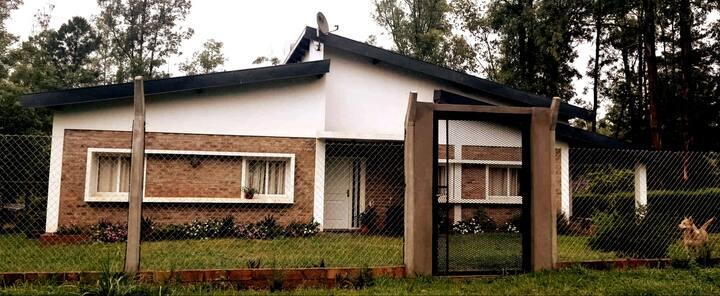 Amplia casa para DISFRUTAR y DESCANSAR :)!