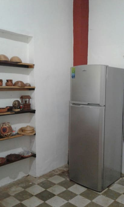 Cocina, refrigerador estufa horno de microondas y cafetera electrica