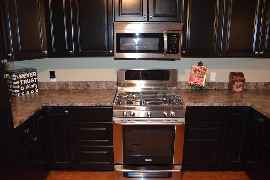 Kitchen Includes All Stainless Steel Appliances