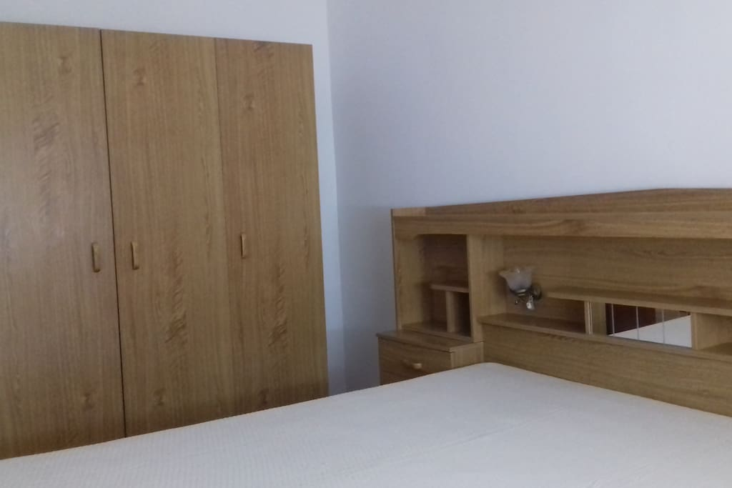 Double Bed, Closet
