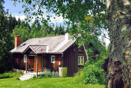 Björntomta - Tasebo - Hytte