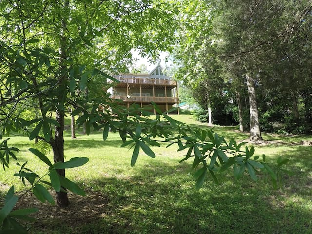 Newly Renovated Home on Beautiful Norris Lake! - LaFollette - House