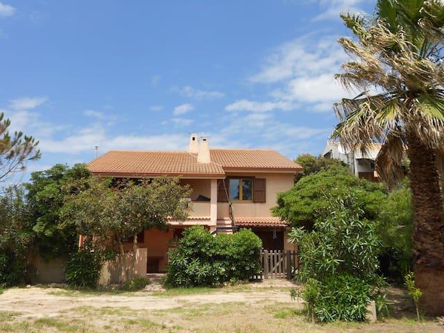 Moderno appartamento fronte mare - Mandriola - Apartamento