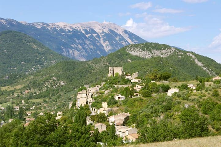 Provence. Village house - Montbrun-les-Bains - Bed & Breakfast