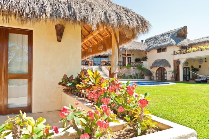 Villa Boda - 4 BR/6 BA Luxury Villa - Lo De Marcos - Hus