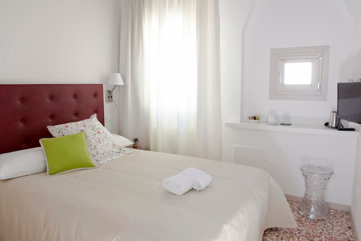 Mascareta Bedroom / Bathroom - Venice - Bed & Breakfast