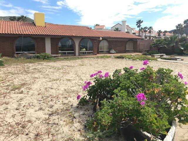 Mi Casa Grande Beautiful Beach House