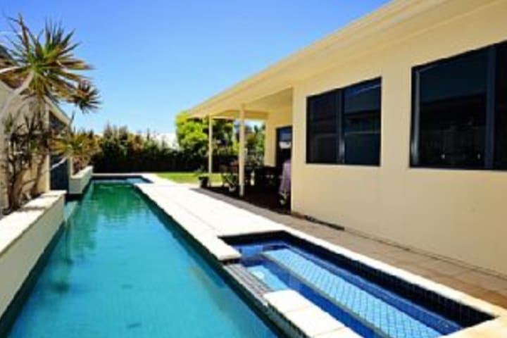 Port Elliot Home with Summer Pool
