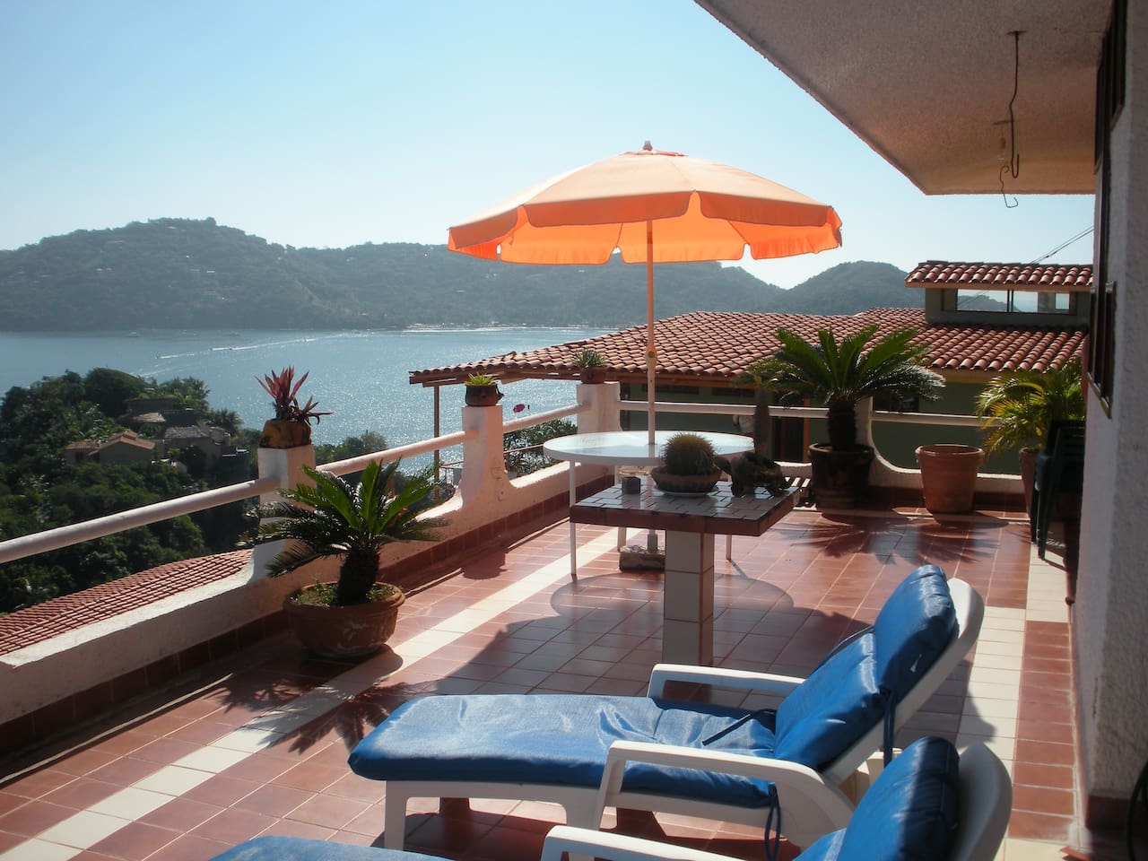Expansive view of the Zihuatanejo Bay